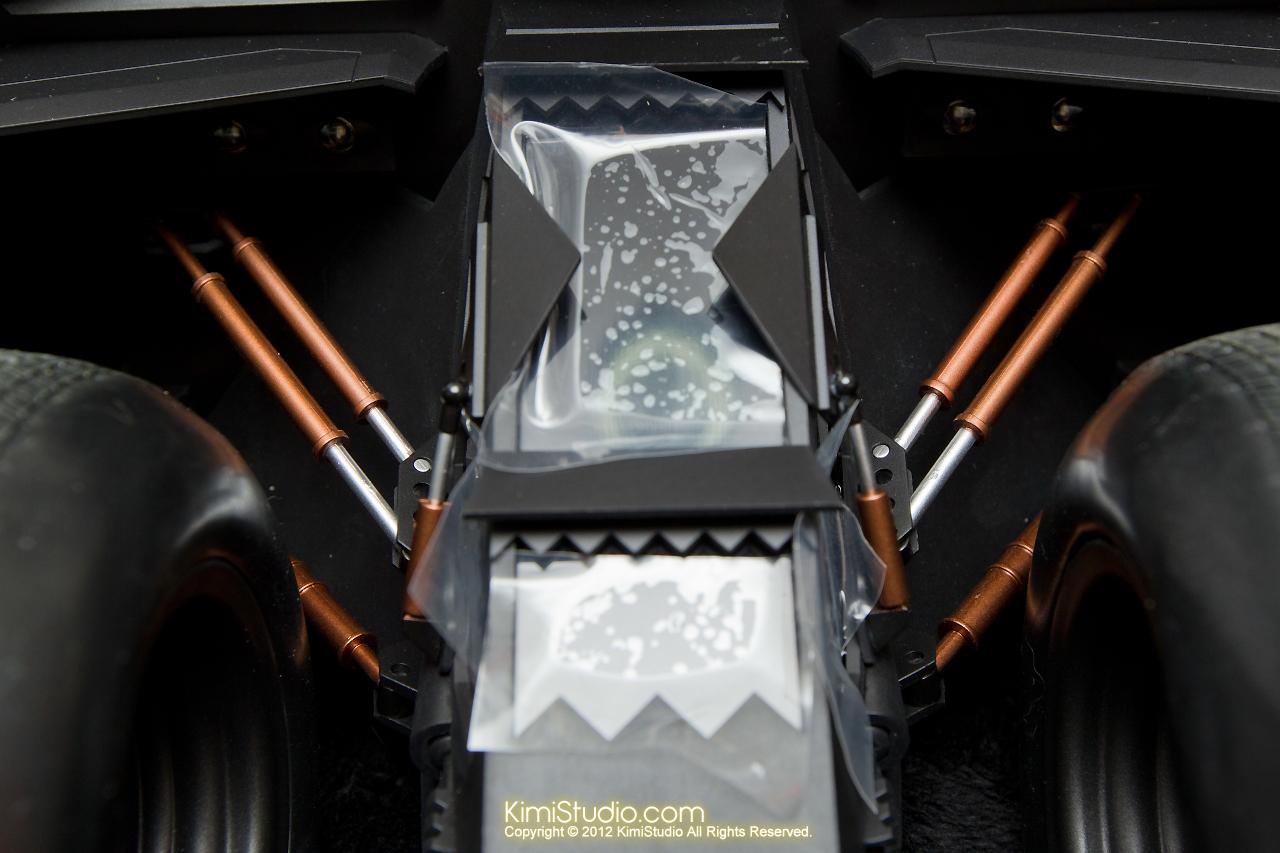 2012.09.22 MMS69 Hot Toys Batmobile-017