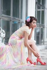 [フリー画像素材] 人物, 女性 - アジア, 女性 - 座る, ワンピース・ドレス, 台湾人 ID:201212021400