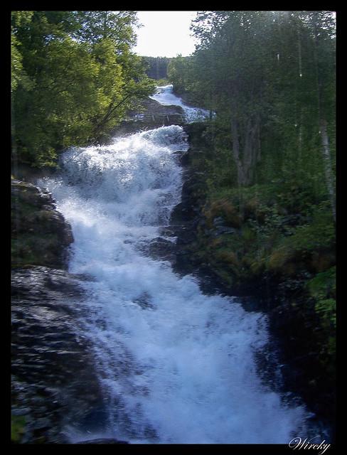 Fiordos noruegos Storfjord Geiranger Hellesylt Briksdal Loen - Cascada en Geiranger