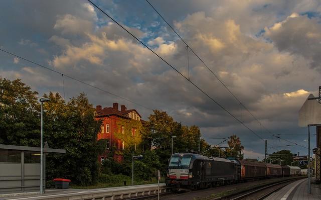 1409_2016_07_08_Baunatal_Guntershausen_MRCE_DISPO_6193_614_mit_gem_Güterzug_EZ_51682_Nürnberg_Rbf_Ausf_-_Maschen_Rbf
