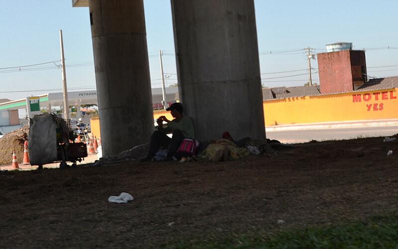 Cresce ocupação de espaços públicos por moradores de rua em Paranaguá 3