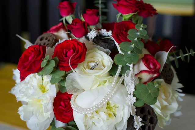vintage bride bouquet in red & white