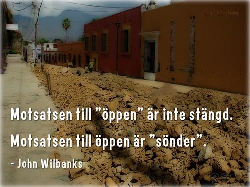 """Motsatsen till """"öppen"""" är inte stängd. Motsatsen till öppen är """"sönder"""" (The opposite of 'open' isn't closed. The opposite of open is 'broken') @anderskarr @cgreen @wilbanks #oercongress #oer"""