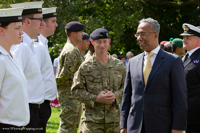 LBTH Mayor Lutfur Rahman thanking the troops with Lt Col RAC Askew (centre)