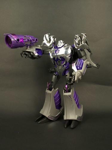 TFP AM-15 Megatron Darkness 8