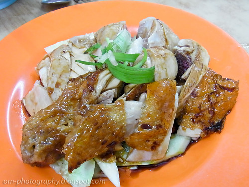poached chicken and roast chicken - Tasty chicken rice kota damansara R0018504 copy