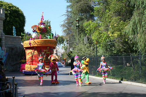 Soundsational Parade - Three Caballeros Float Unit