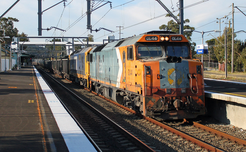 DL44, 8101 1933 Thirroul by Thomas