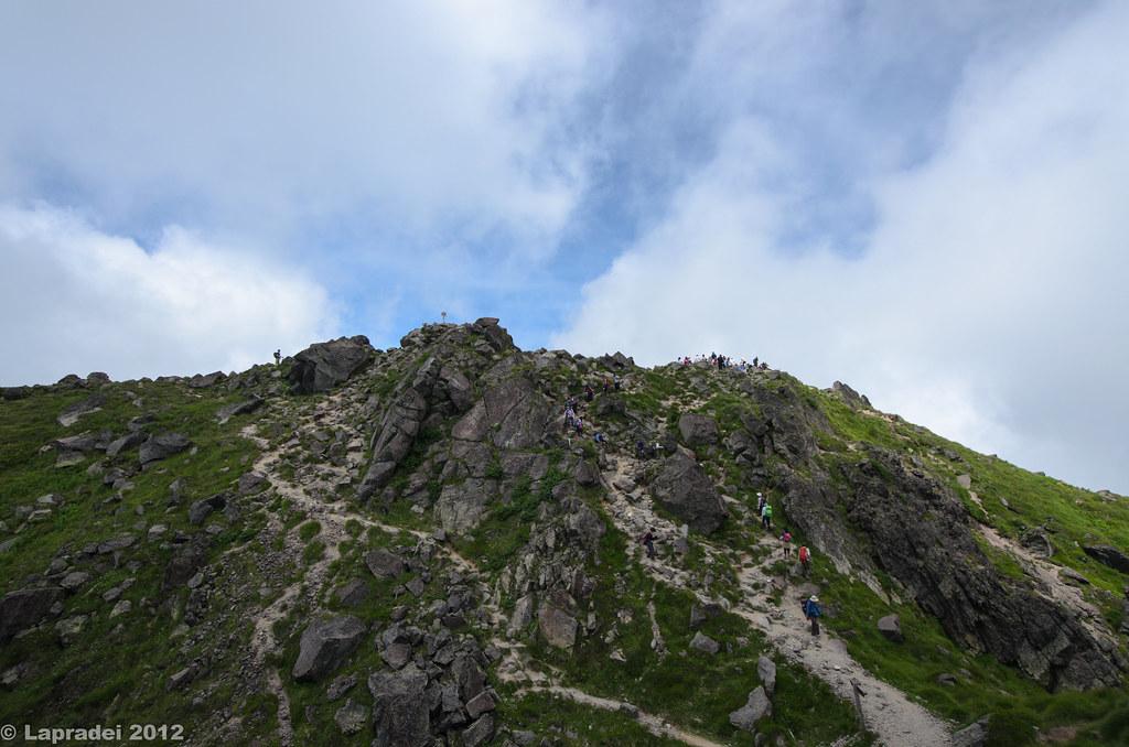 山頂まであと少し