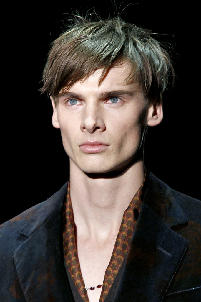 Angus Low3017_FW12 Milan Gucci(VOGUE)