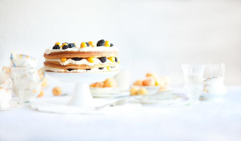 Youngberry & Gooseberry Vanilla Cake