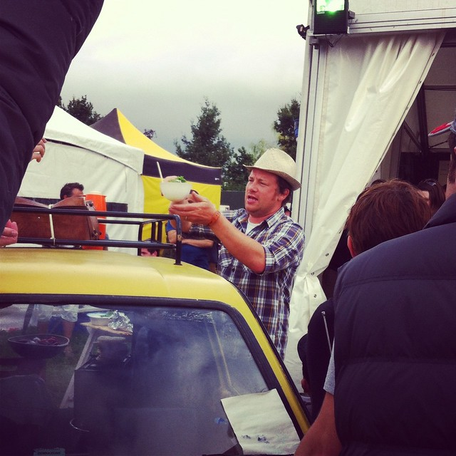 Jamie Oliver handing out spoils cooked from Trotters' reliant robin!