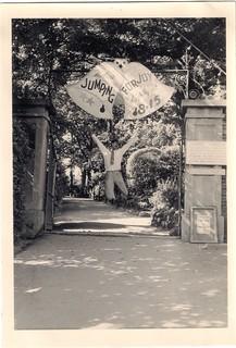 1961 06-09 00 My Dad literally Jumping for Joy. Candie Gardens Theatre, Guernsey
