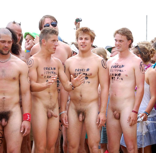 Freeballers Forum: Naked below waist - Network54