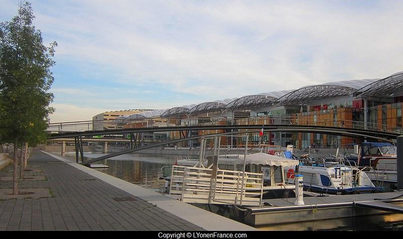 terrasses+lyon+confluence