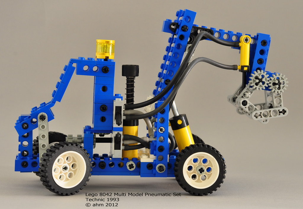 lego technic 8042 multi model pneumatic set a photo on. Black Bedroom Furniture Sets. Home Design Ideas