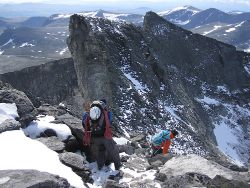 Snowy downclimbing