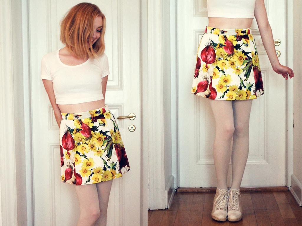 f3bc4c30cc31 Fick denna somriga kjol med rödlökar (!) från min mamma när jag fyllde 28  år. Den är från Dolce & Gabbana.