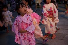 SAKURAKO joins in the Bon festival dance.