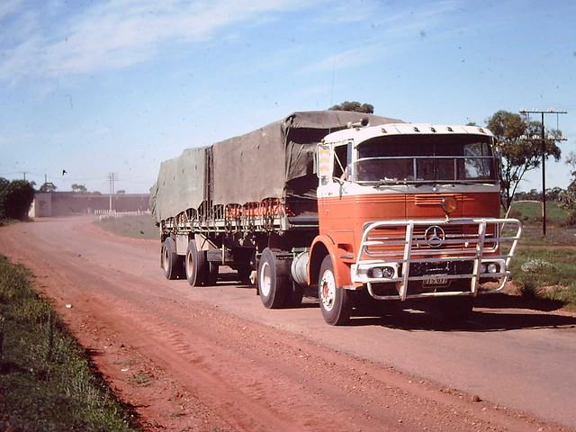 Mercedes benz flickr photo sharing for Old mercedes benz trucks