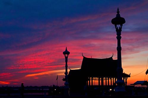 sunrise dawn asia cambodia southeastasia cloudy phnompenh sisowathquay colorphotoaward