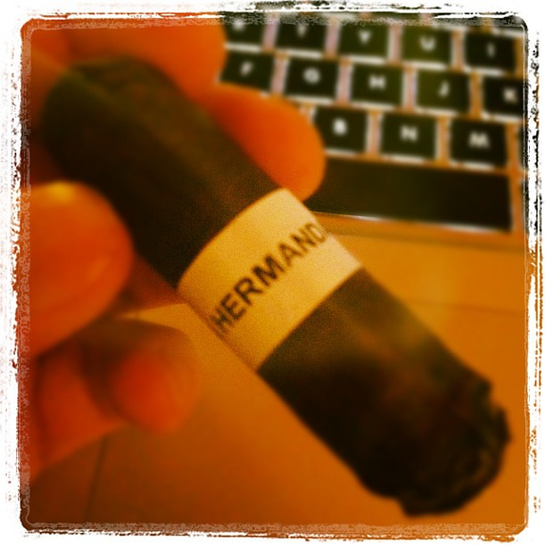 Week In Smoke - @PrimerMundo The band doesn't look like much but it has great flavor. Nice work with this one.
