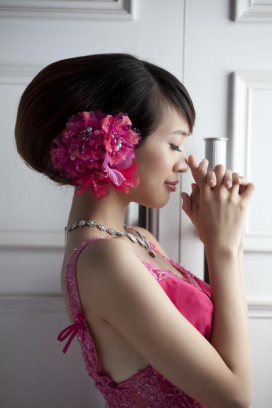 EZ wedding 精品婚紗-俐穎
