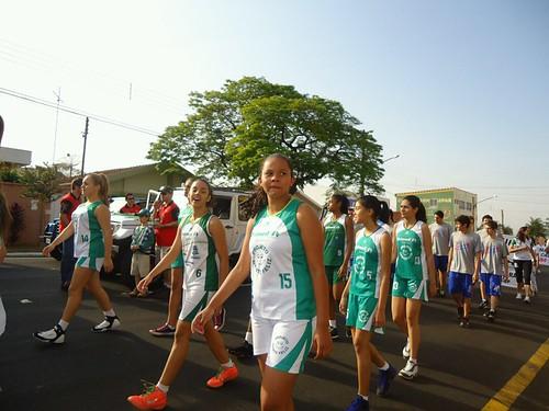 carol desfile 2012 by Caroline Campagni