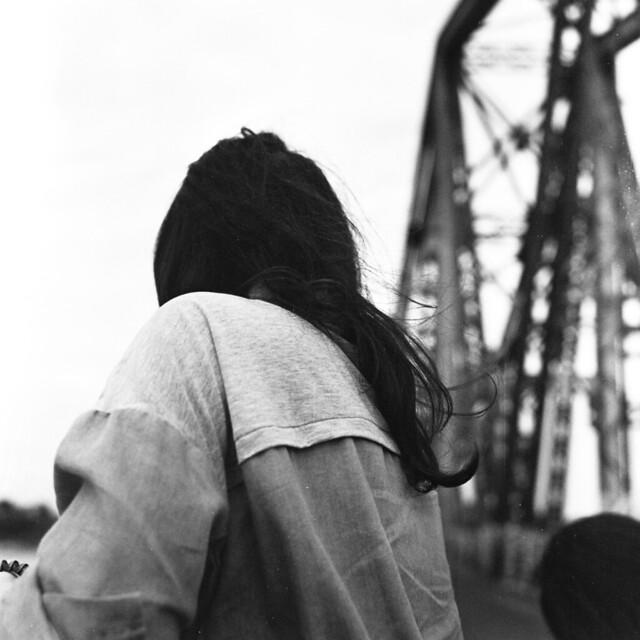 .feel the wind.