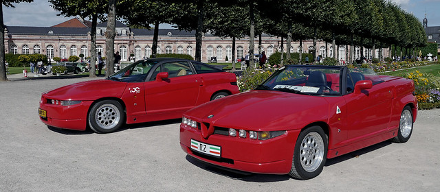 Alfa Romeo S.Z.__'Sprint Zagato'__1989-92__~1.000 built__left__+ R.Z.__right______________________