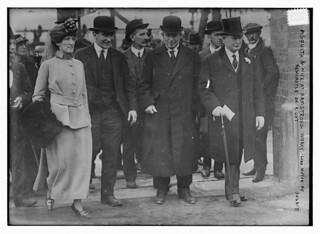 Asquith & Wife at Armstrong Works, Lord Mayor of Newcastle on right  (LOC)