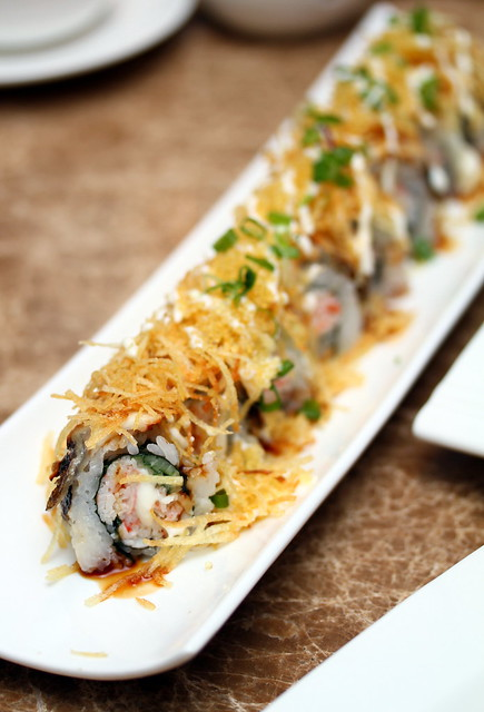 Bay Sushi: Gold Dragon Roll (Eel)