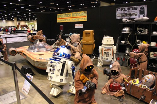 Jawas and Droids - Star Wars Celebration VI