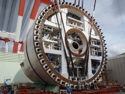 WSDOT's record-breaking tunnel boring machine takesshape