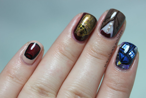 Doctor Who Manicure (2)