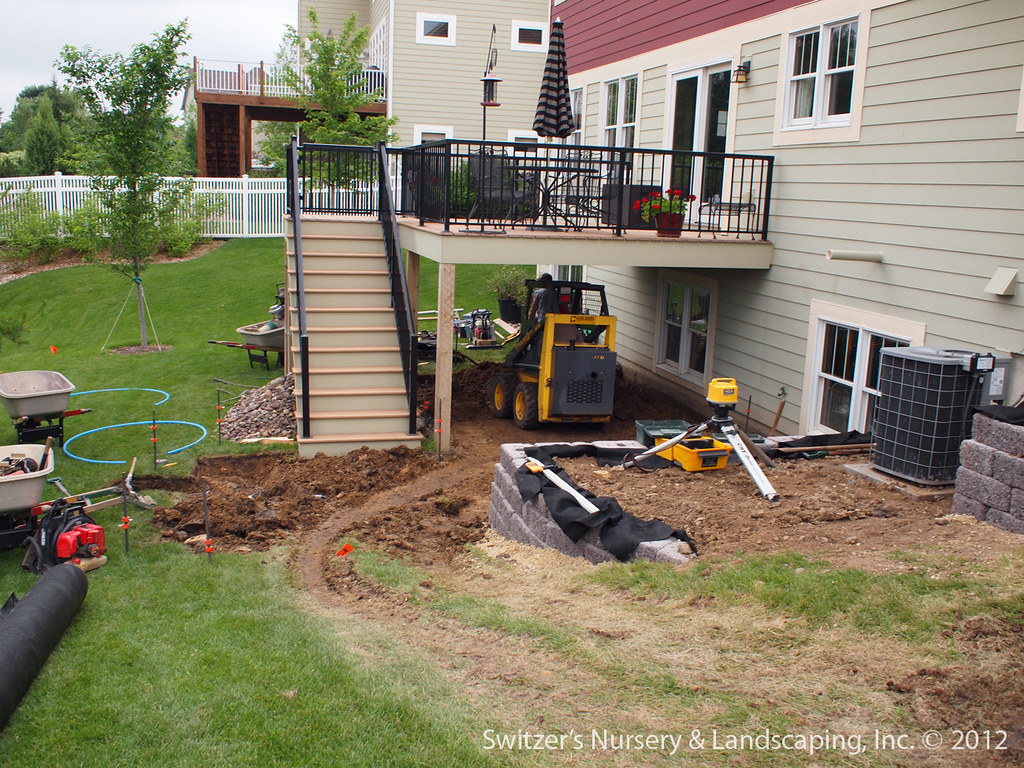 how to build a patio wall with pavers