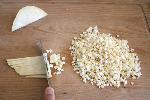 18 - Sellerie würfeln / Dice celeriac