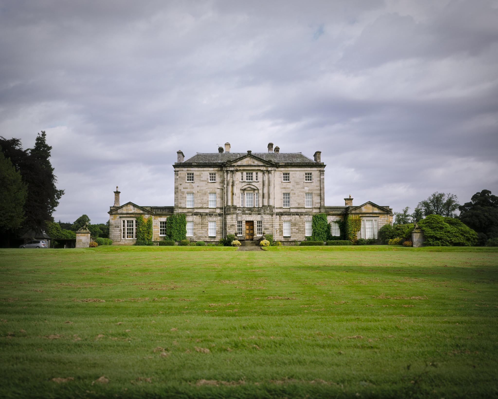 The Water Horse Movie: Ardkinglas House, Scottish Manor ...  Scotland Manors
