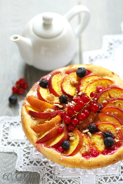 Brioche tart with summer fruits