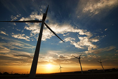 [Free Images] Architecture, Windmill, Sunrise / Sunset, Wind Power, Power Plants, Landscape - United Kingdom ID:201210011600