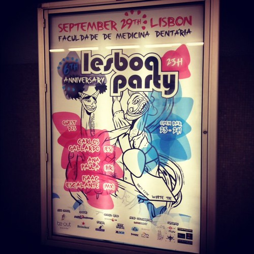 Lesboa Party > Advertising mupis in Lisbon subway stations