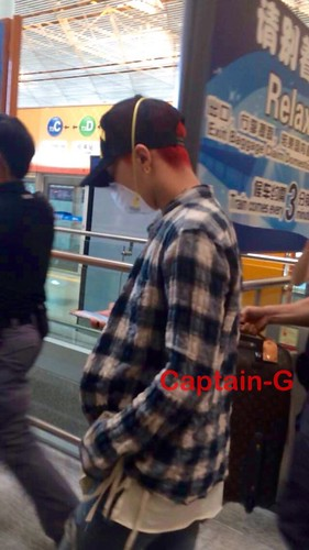 Big Bang - Beijing Airport - 05jun2015 - G-Dragon - Captain G - 01
