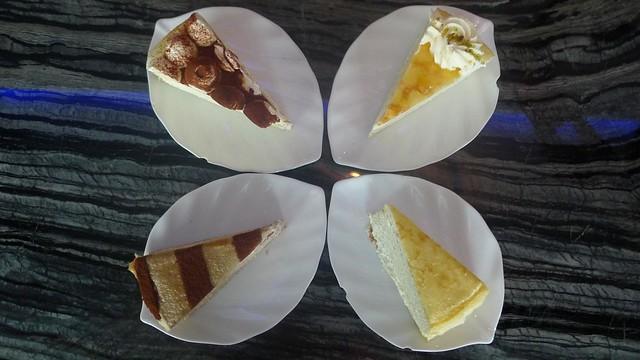Malacca: Nadeje Cafe Crepe Cake