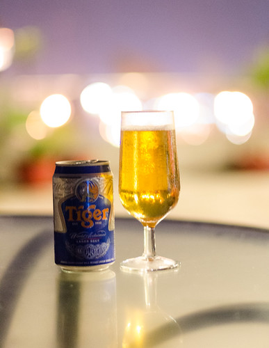 indonesia evening raw drink bokeh tigerbeer jambi batanghaririver nikkor50mm14f nikond7000 yemaria willtophotel
