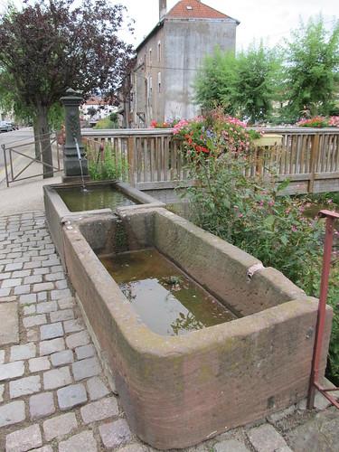 fontaine et monument raon l'etape 078