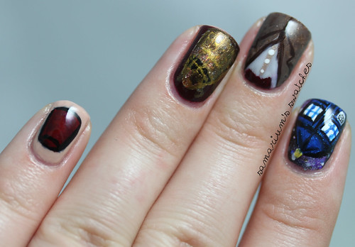 Doctor Who Manicure (1)