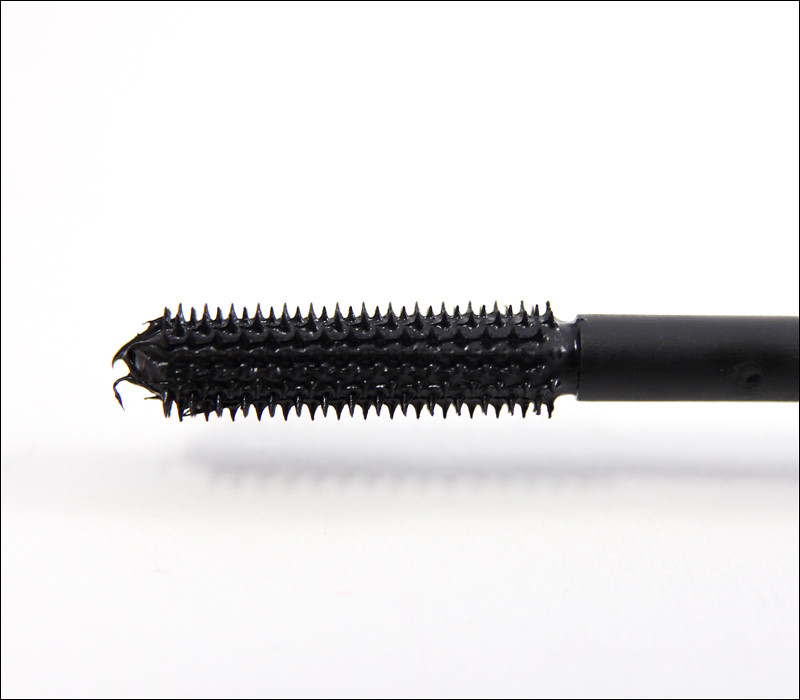 IsaDora dynamic lash growth mascara1