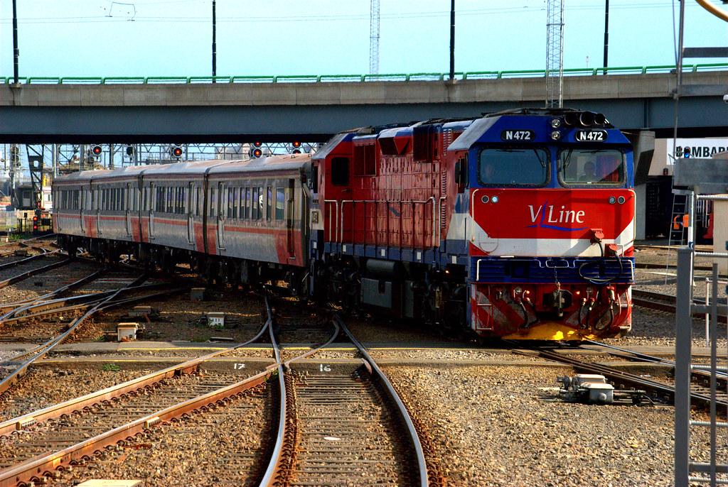 N472 arrives into Southern Cross by Luke's Rail Gallery
