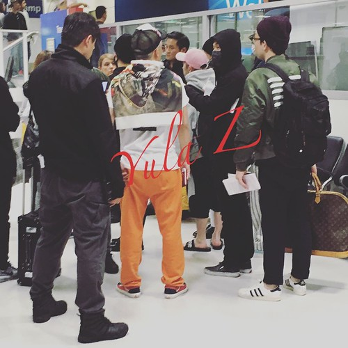Big Bang - Sydney Airport - 16oct2015 - j.jt - 01