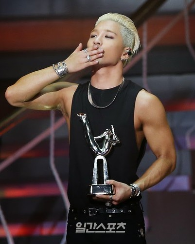 Taeyang-GoldenDisc-Awards-mainshow-20150114-press-107